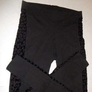 Woman's Pink Victoria's Secret Leggings Pants S